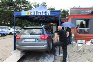 Citroen C5 podczas badania technicznego Bilstein i MaXserwis