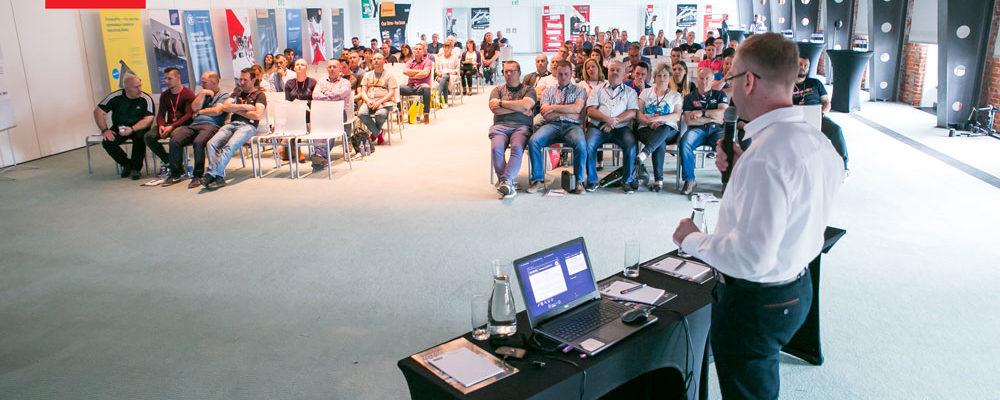 panel szkoleniowy na konferencji sieci warsztatów MaXserwis