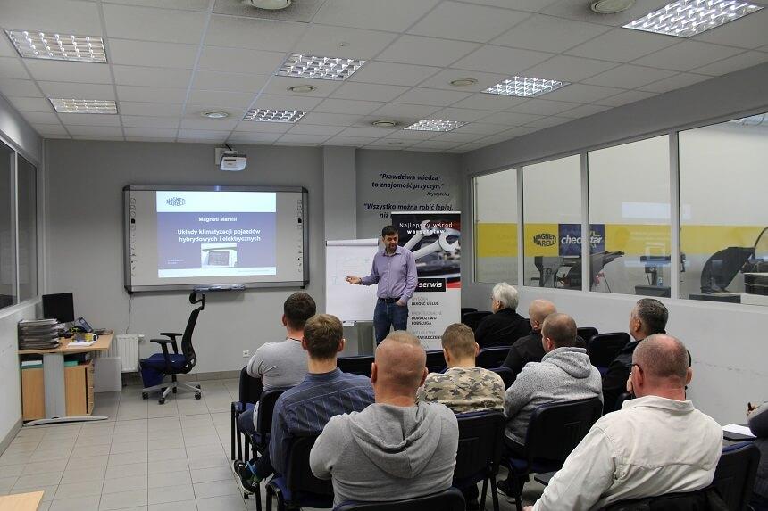 szkolenie z układów hybrydowych w sieci maxserwis
